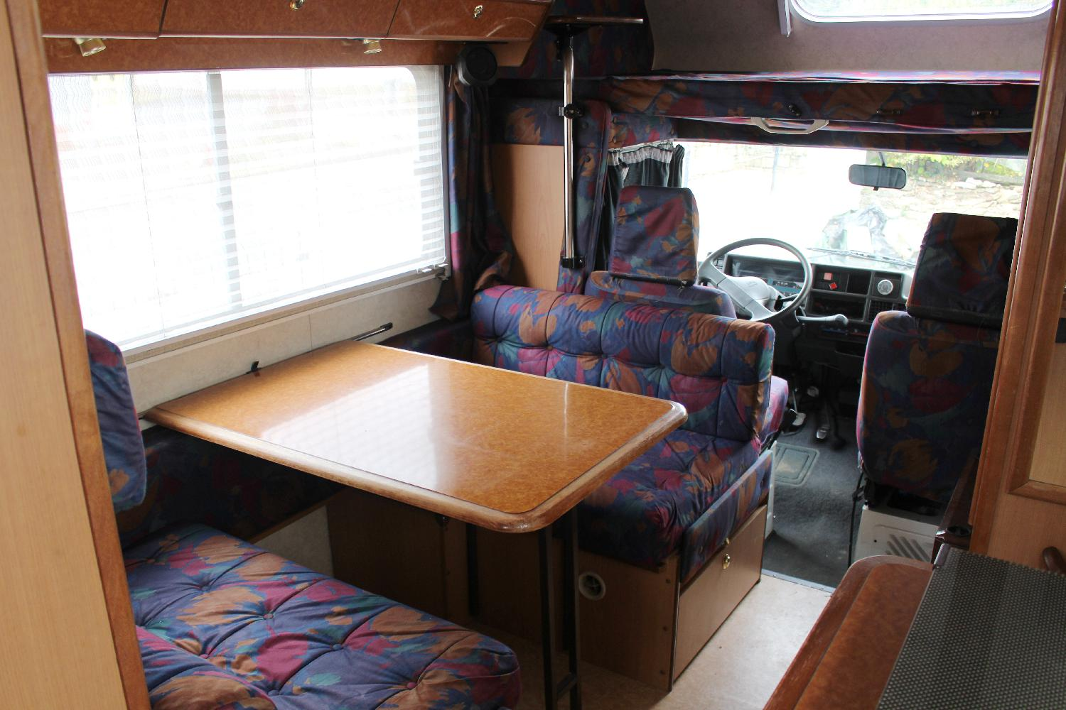 camping-car C 25 D 2.5 diesel chausson acapulco