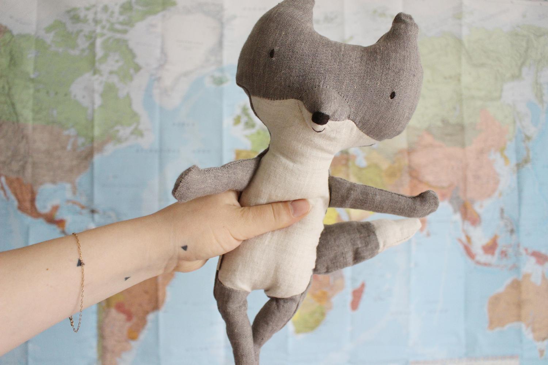 Un bébé voyageur, couverture aux cent voeux